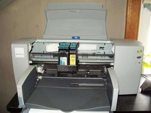 My HP Deskjet 825C with color (from previous owner) and a remanufactured black ink cartridge from Printronic.