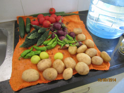 Eat Fresh Vegetables. Drink Plenty Water. તાજાં શાકભાજી ખાવા અને ઘણું પાણી પીવું.
