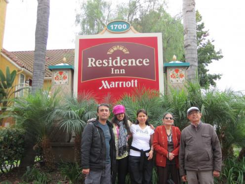 Travelling with family strengthens relations. કુટુંબ સાથે મુસાફરી કરવાથી સંબંધો મજબૂત બને છે.