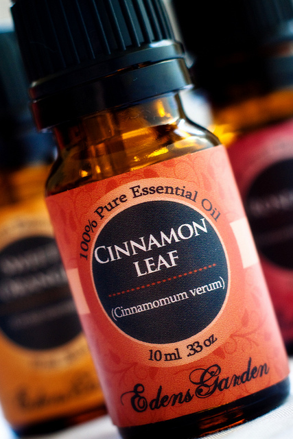 Cinnamon leaf oil swells up your lips giving you fuller, thicker lips.