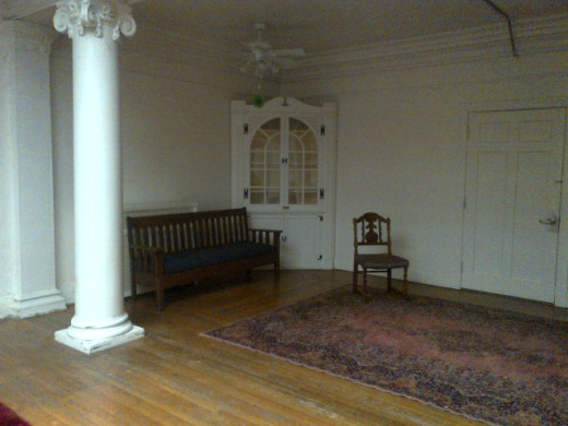 It was filled with gorgeous antiques, beautiful mirrors and stunning Oriental rugs. It has sadly fallen into disrepair.