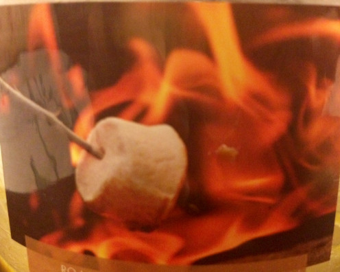 This is the image of roasted marshmallow on this candle.  It makes you feel like you are right there!  It smells amazing.