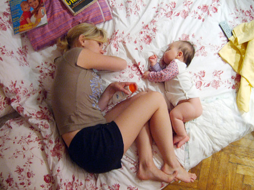 When practiced safely, co-sleeping is a great way for new moms and dads to get more sleep.