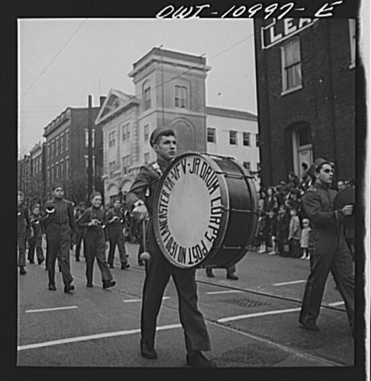 Lancaster, Pennsylvania. Armistice Day parade Creator(s): Collins, Marjory, 1912-1985, photographer Date Created / Published: 1942 Nov.