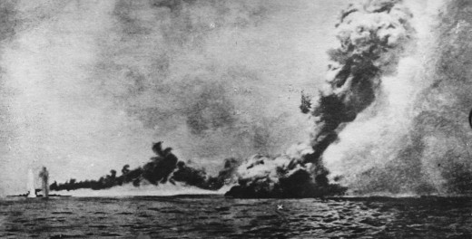 The Queen Mary explodes during the battle of Jutland.