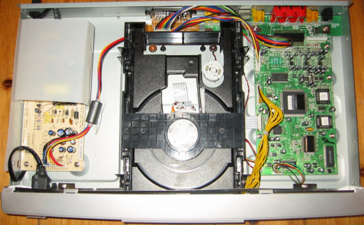 The internals of a Mustek V56L DVD-Video-Player