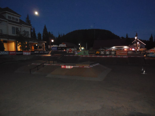 Mega-moon over the Street Course Skate Park