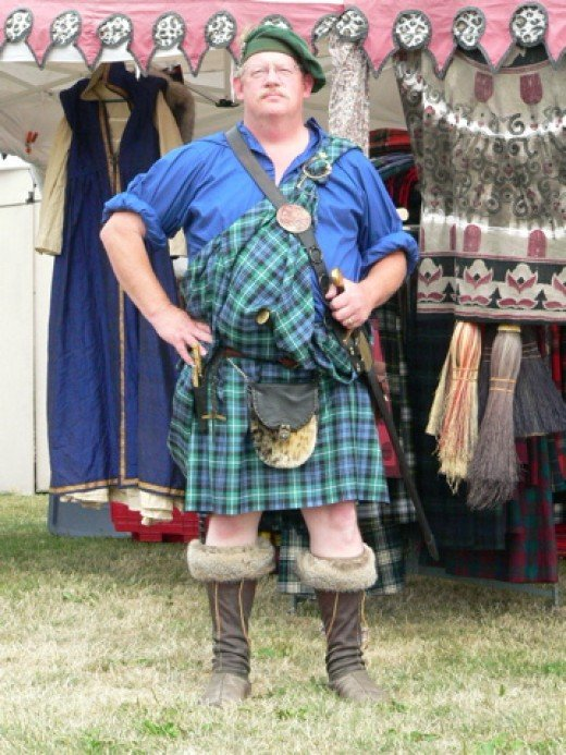 The Great kilt was most popular in the Highlands of Scotland from the late 16th century until the mid 17th century.