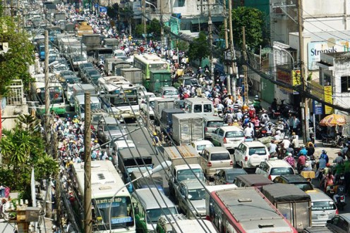 Photo of sprawling city street by Ngô Trung/Creative Commons 3.0