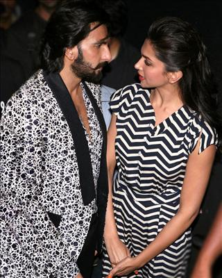Ranveer would offer his unsolicited suggestions on the sets of Tamasha, infuriating the director and embarrassing Deepika.