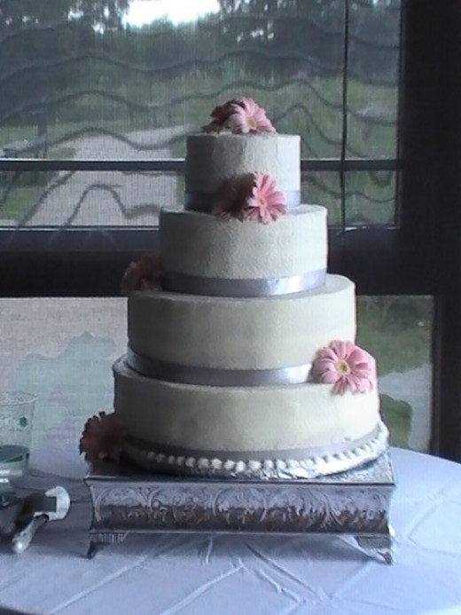John and Tenzin's Wedding cake