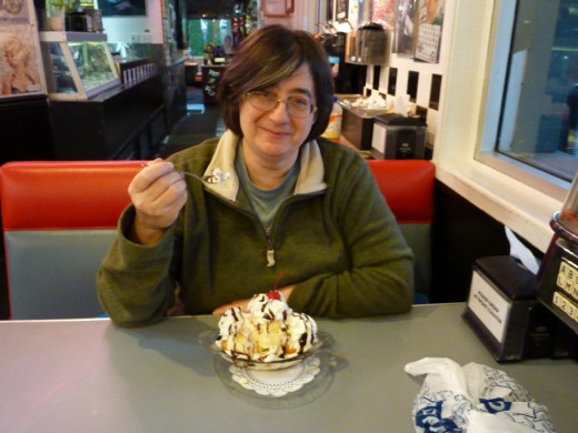 Here I am in my favourite Diner in Fort Langley. You know i am not meant to eat ice cream, but on a day like today who cares!