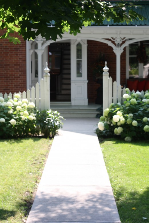 Keep your walkway, porch and front door uncluttered to invite positive energy into your home.
