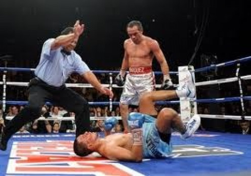 The battle was nip and tuck until Marquez abruptly ended matters with a monstrous uppercut in the ninth.