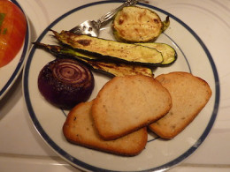 Use toast with roasted garlic oil Or top with grilled vegetables.