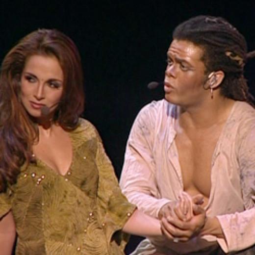 Helene Segara as Esmeralda & Luc Merville as Clopin