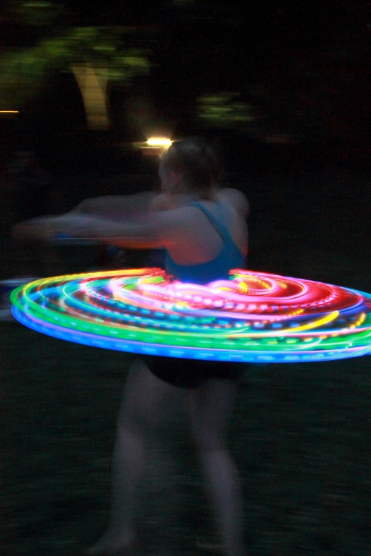 Waist hooping reveals a swirl of colors.