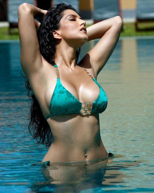 According to reports, Sunny Leone has put an important clause in her contract that her co-stars will have to submit an HIV/AIDS test.