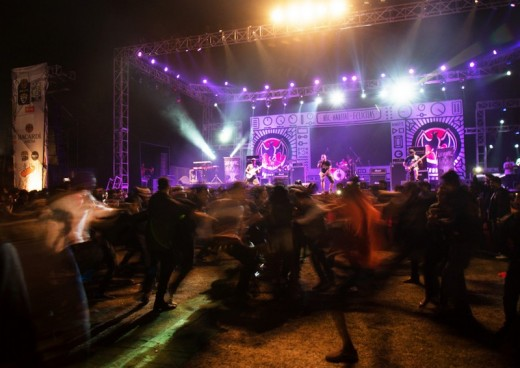 The craze for the modern Bengali band music