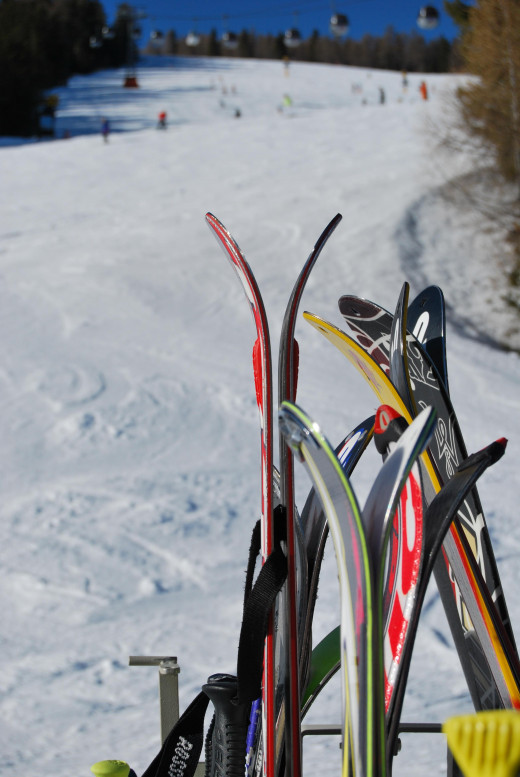 A safe and successful ski experience depends on a careful selection of protective ski gear!