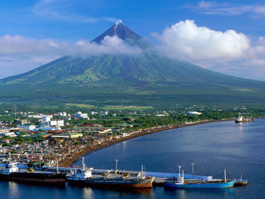 Mayon Volcano with view of Legaspi City