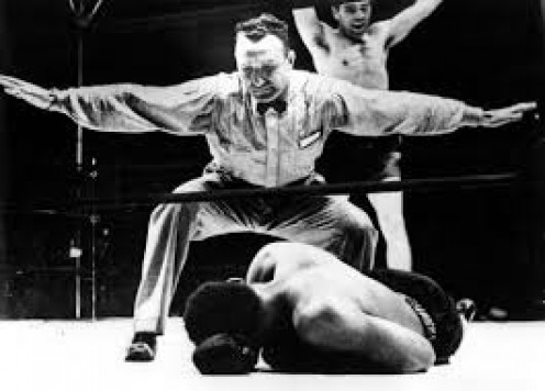 Max Schmeling knocked out Joe Louis in the 12th round with big right hands in their first encounter,
