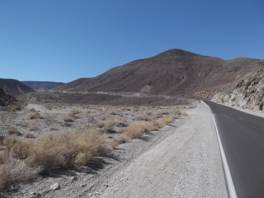 Long straight away west of Panamint Springs Resort. To the left you can see the dirt road leading to Darwin Falls. Many people miss the dirt road leading to the falls.