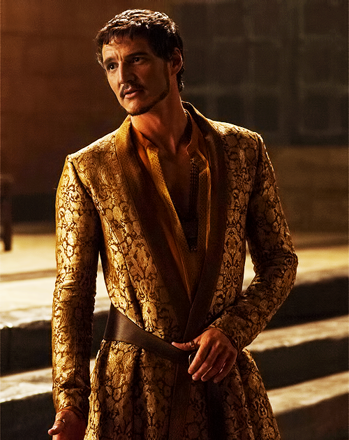 Oberyn Martell with Lord Varys in the Throne room