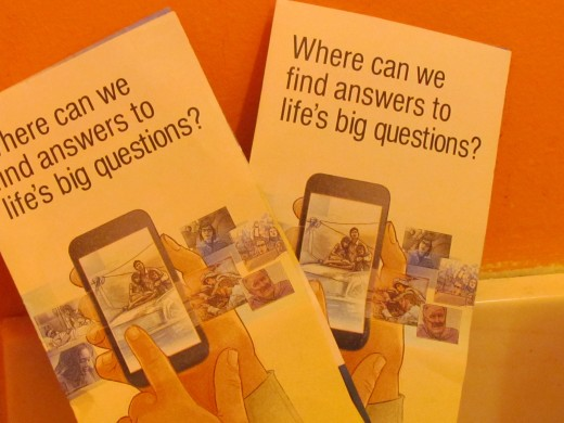 "The inspirational tract entitled, Where can we find answers to life's big questions?"" Individuals are directed to the world's most translated website, jw.org."
