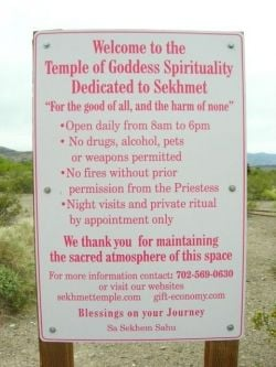 temple welcome sign, photo by Relache