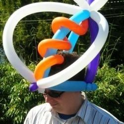 Farmers market balloon hat, photo by Relache