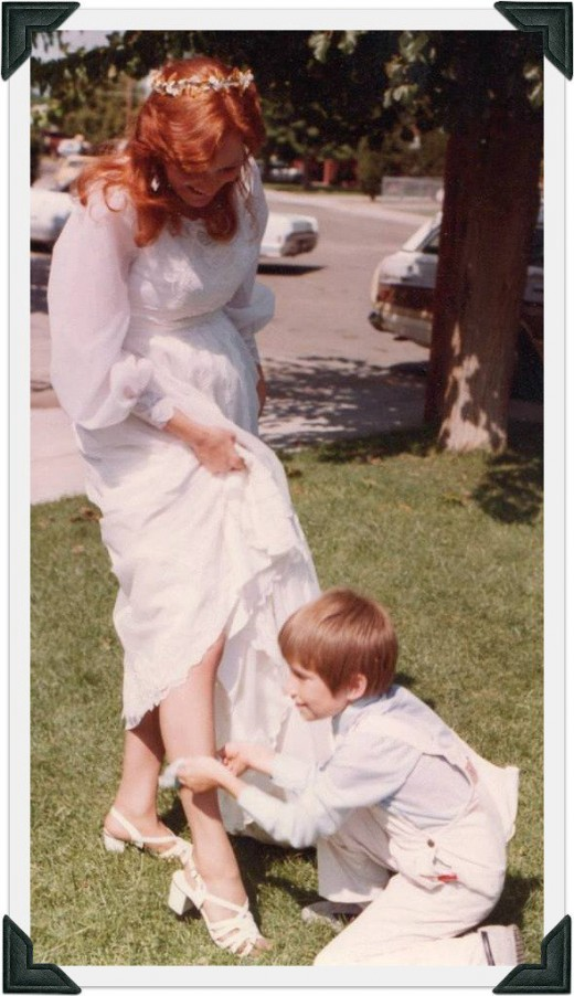 my mothers wedding where she is pregnant with me