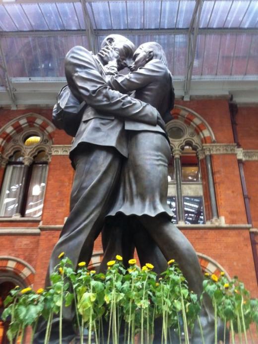 iconic st pancras statute