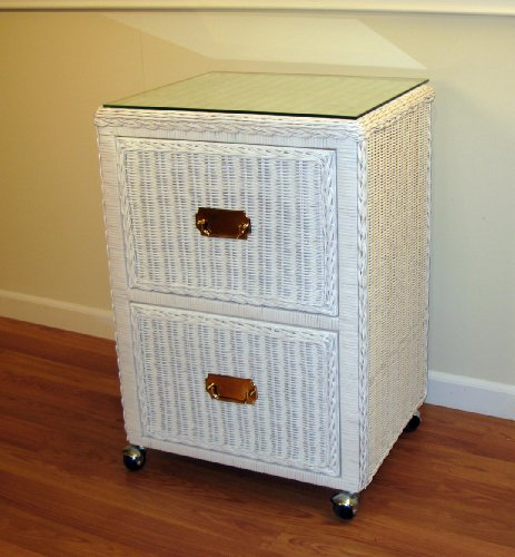 I plan on getting a filing cabinet like this one for my child's room when she reaches the preschool years!