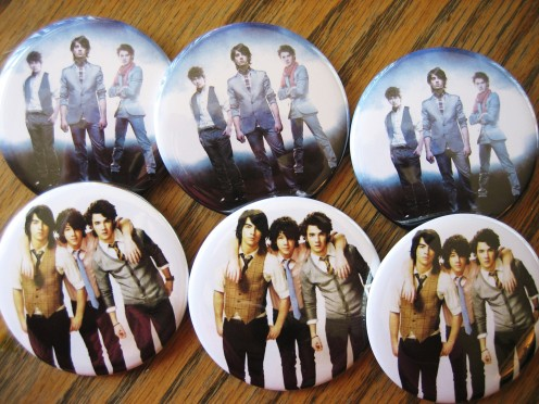 Jonas Brothers Button Favors