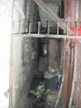 Dingy little alleys in Mumbai