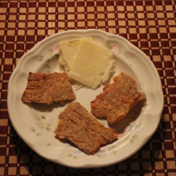 Cheese Crackers for the Grain-Free Diet