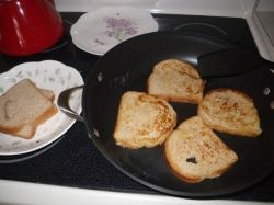 Frying up french toast in my Calphalon pans