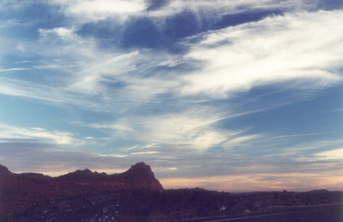 Beginning of the sunset, Vermilion Cliffs on the left. Viewpoint from Page.