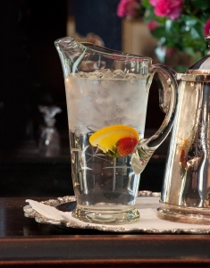 Drink more water to treat bladder infection