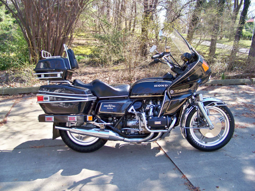 My 1978 Goldwing all cleaned up using products from the Meguiar's Complete Car Care Kit!