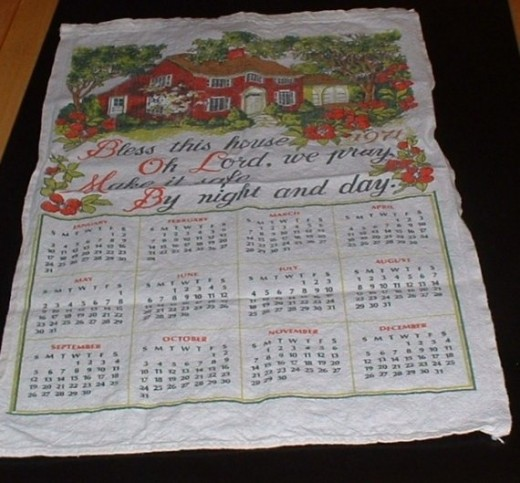 Vintage tea towel calendar from 1971.