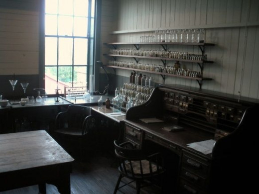 Thomas Edison Room 12