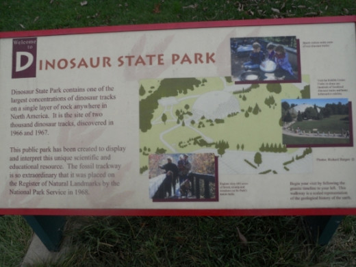 Entrance Sign to Dinosaur State Prk