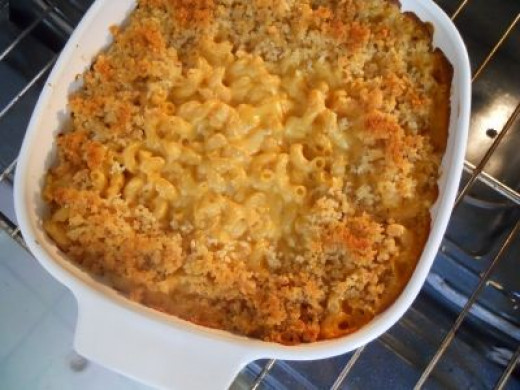 macaroni-and-cheese-in-oven