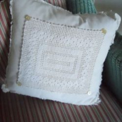 How to make throw pillows for your home from napkins