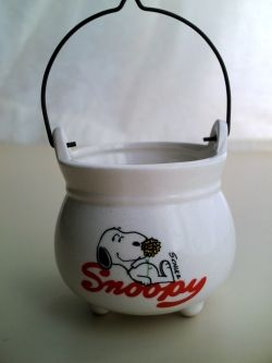 Snoopy Ceramic Cauldron ( 1958 )