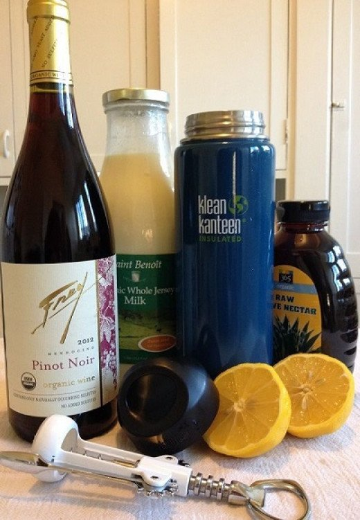 A glass of wine for the grownups, milk for the kiddies, or fresh-squeezed lemonade in a thermos for everyone
