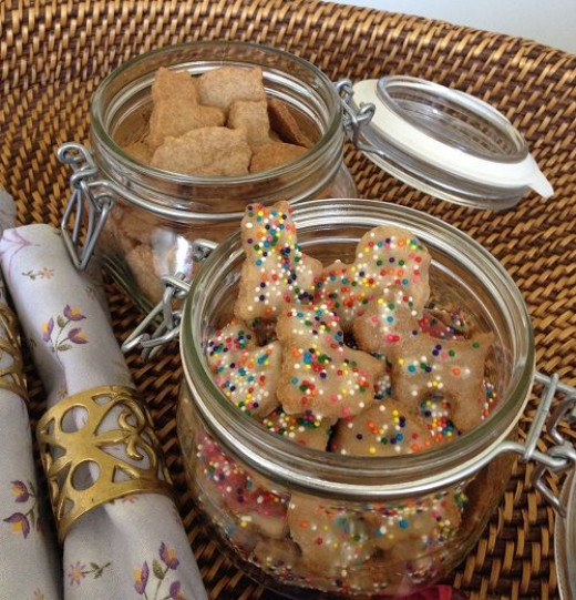 These smaller Fido jars hold about 4 dozen cookies - Copyright L Kathryn Grace, all rights reserved
