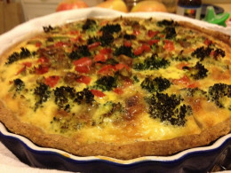 Broccoli red-pepper quiche in whole wheat pie shell